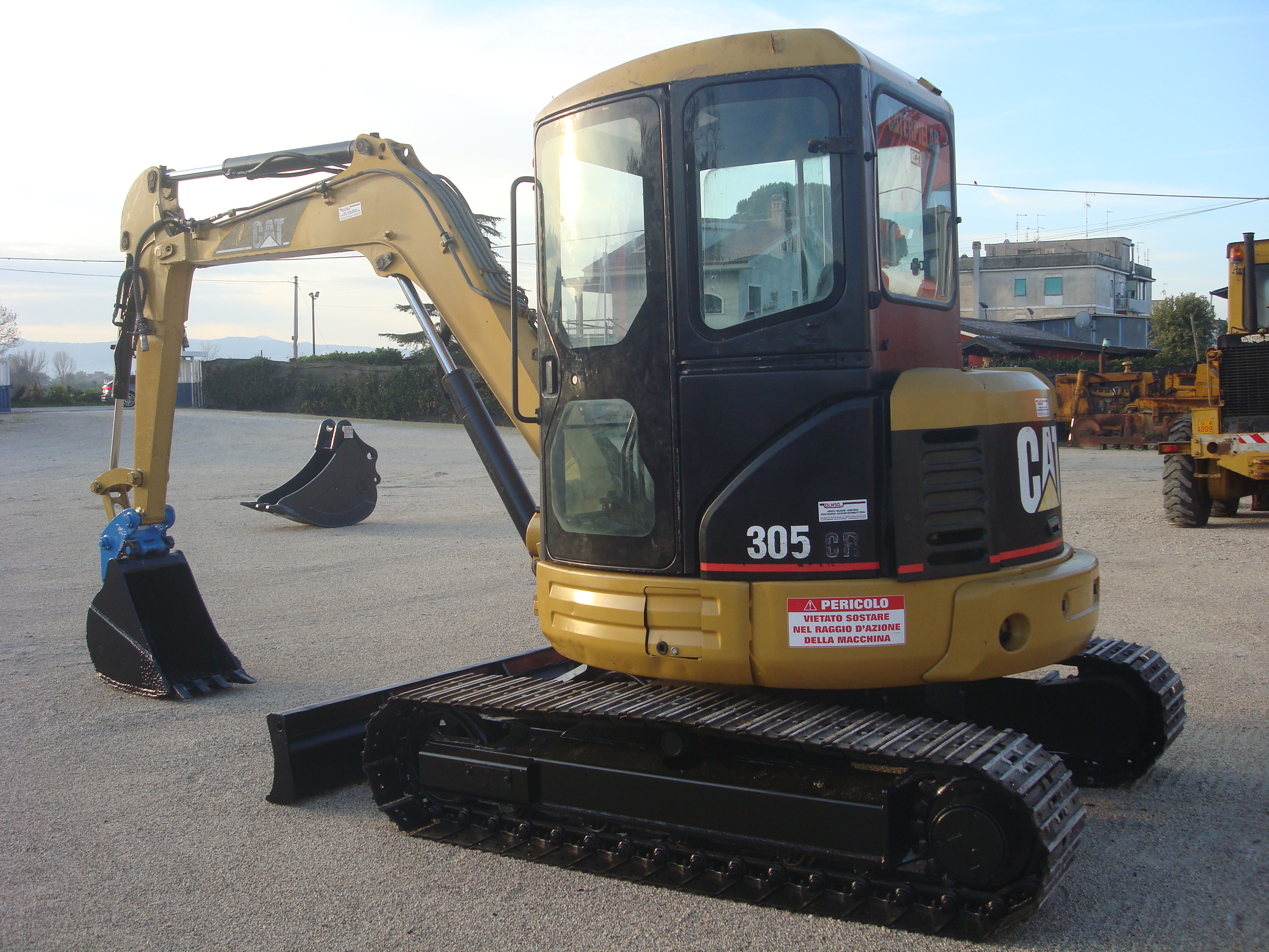 MINIESCAVATORE CATERPILLAR 305 CR